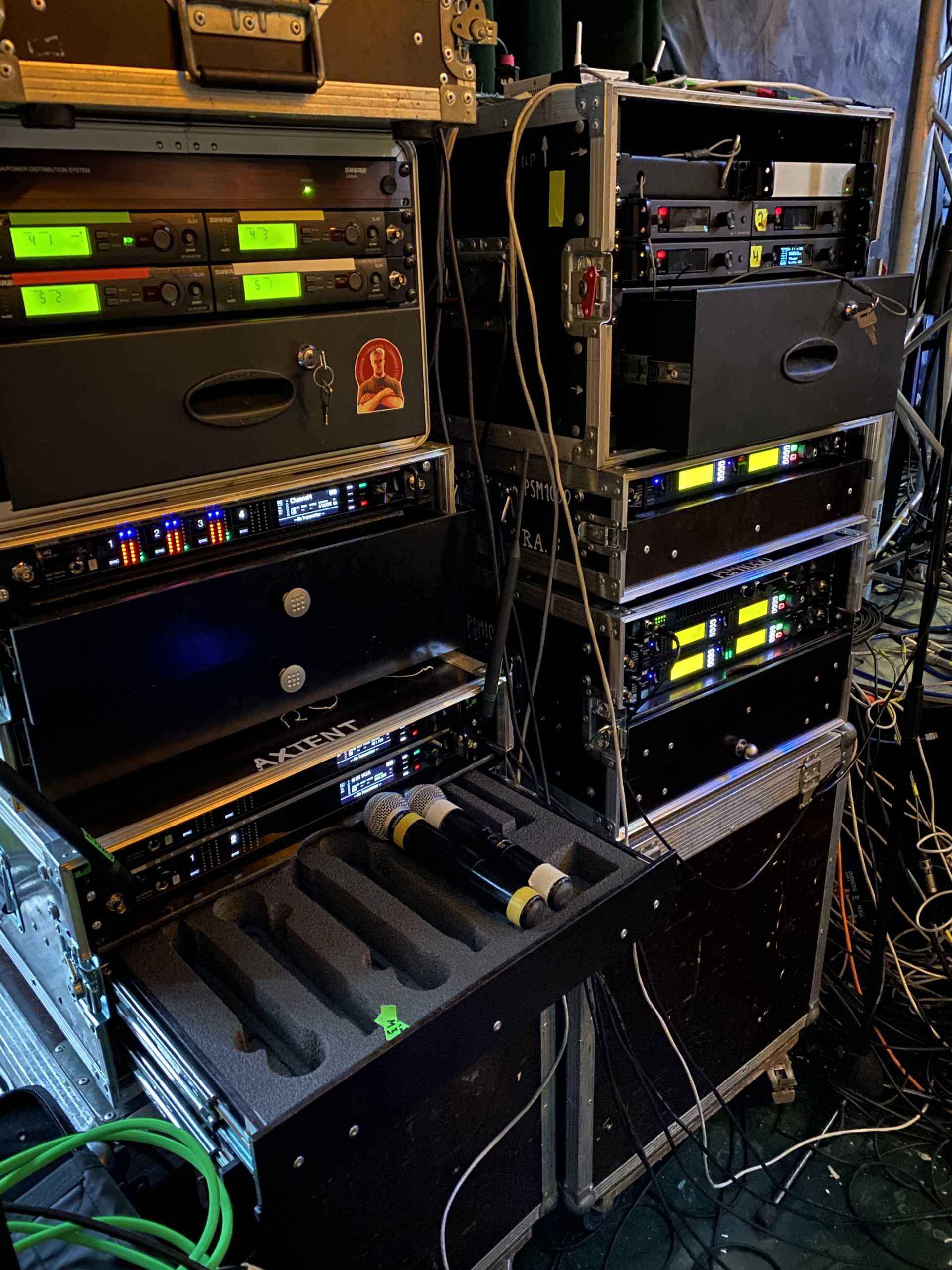 оборудование L-acoustics для выступления Басты и Моргенштерна