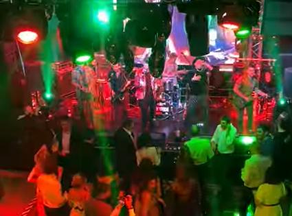 Выступление Zivert и групп Жулики, Иванушки International на вечеринке в честь дня рождения. Аренда видеооборудования, света и звука для мероприятия